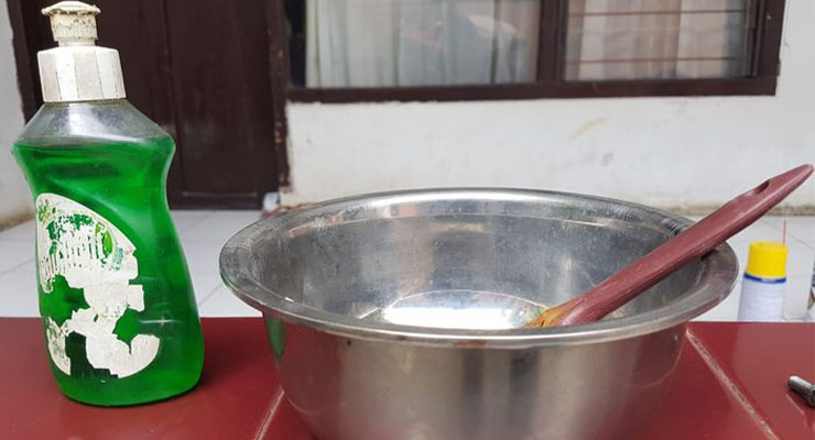 Air dan Pembersih Piring