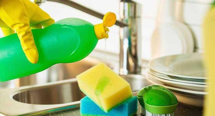 Cara Membersihkan Blok Mesin dengan Sabun Cuci Piring
