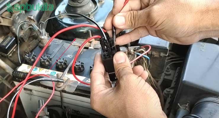 Langkah terakhir adalh hubungkan Pin 85 relay hubungkan pada swtch lampu yang akan anda gunakan