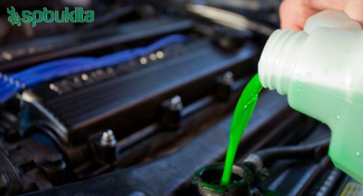 Mengganti dan Memeriksa Air Pendingin dan Juga Tutup Radiator